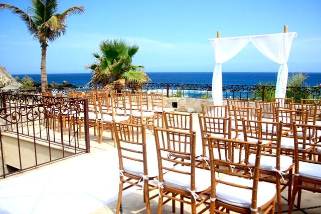 Villa Beach Wedding Ceremony Set Up in Los Cabos We LOVE this set up